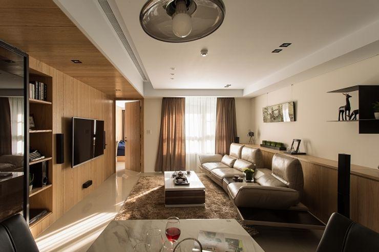 KD Panels 现代客厅設計點子、靈感 & 圖片 木頭 Wood effect