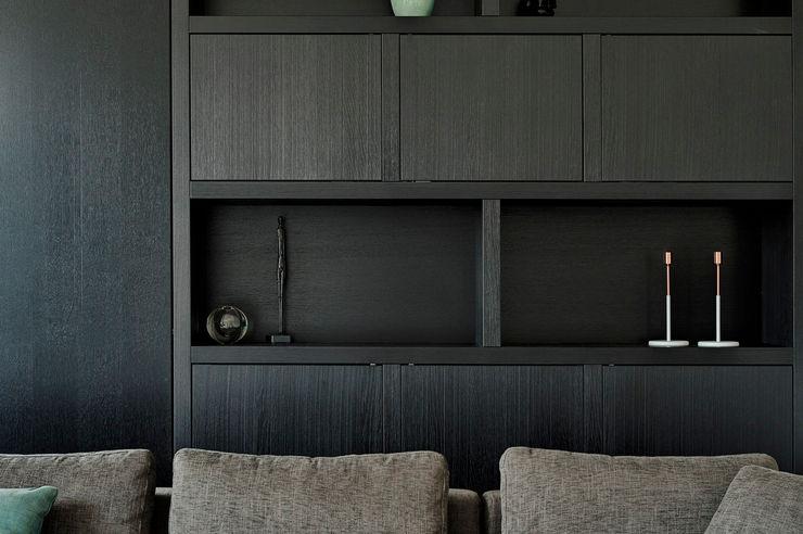 Jolanda Knook interieurvormgeving SalonPlacards & Buffet Bois massif Noir