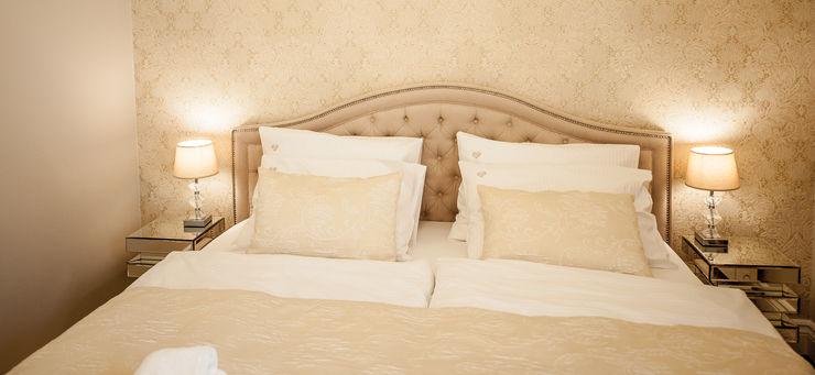 AgiDesign Classic style bedroom Beige