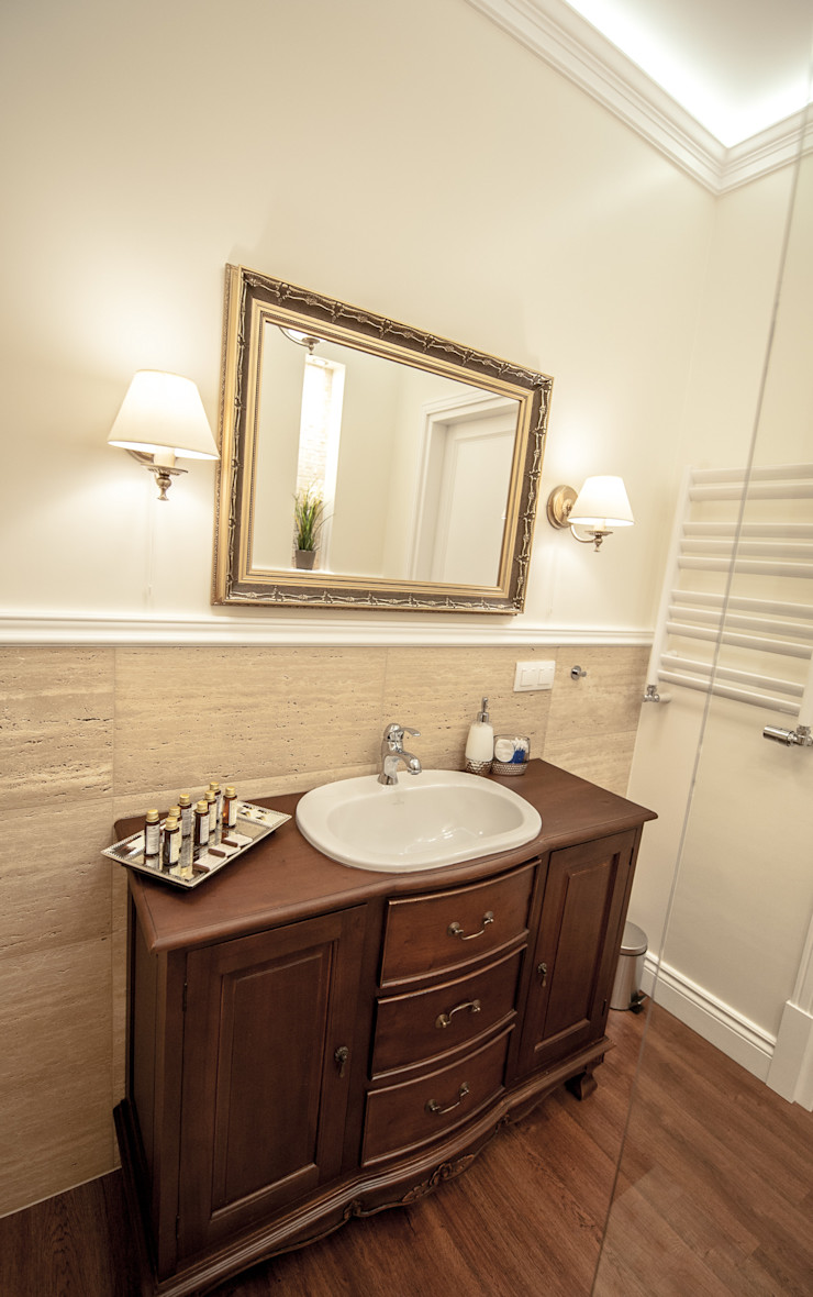 AgiDesign Classic style bathroom Beige