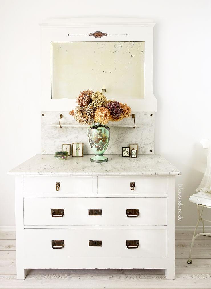 Maisondora Vintage Living BedroomWardrobes & closets Wood White