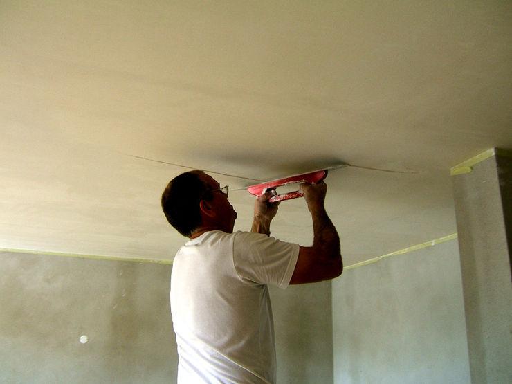 Remodelação / Renovação de Interiores RenoBuild Algarve Salas de estar modernas