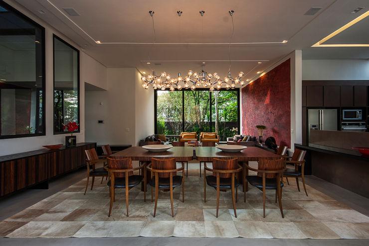 Alice Martins Flávio Butti Modern dining room