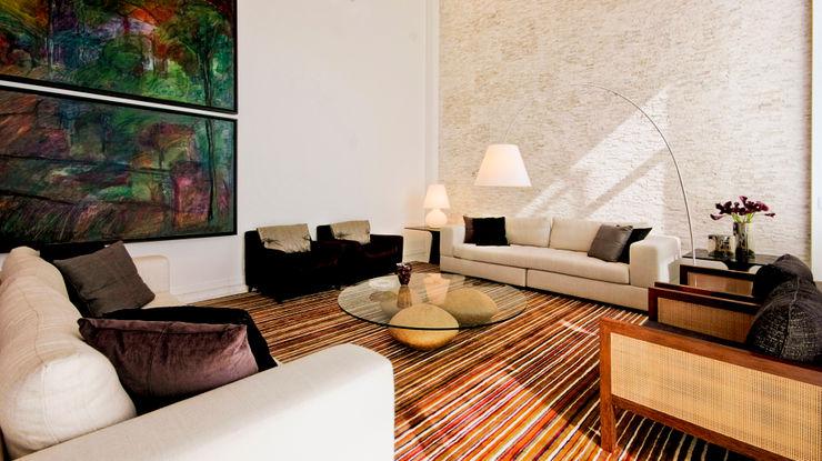 Alice Martins Flávio Butti 现代客厅設計點子、靈感 & 圖片