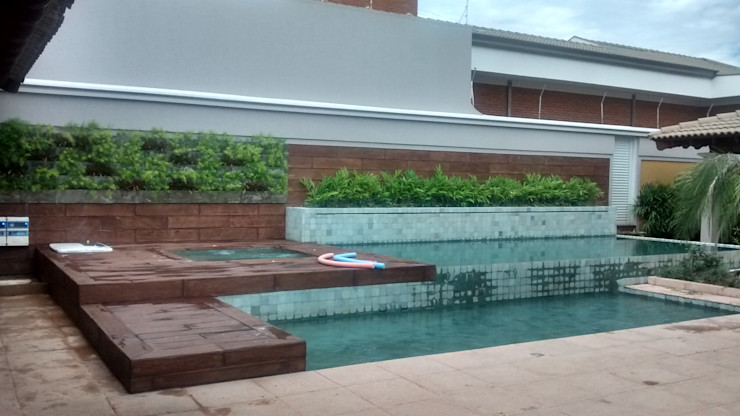 Borges Arquitetura & Paisagismo Hồ bơi phong cách hiện đại