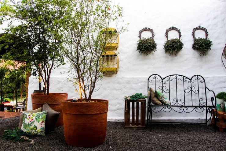 AD ARQUITETURA E DESIGN Balcon, Veranda & Terrasse rustiques Bois Effet bois