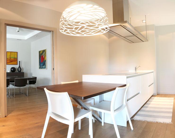 VILLE COLOMBERA – FINITURE ed INTERIOR DESIGN, Contemporaneo/Moderno 2P COSTRUZIONI srl Cucina moderna