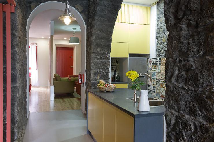ARCO mais - arquitectura e construção 廚房 Yellow