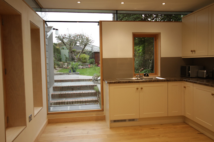 Whiterock Innes Architects Modern style kitchen