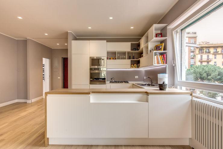 TRIESTE MOB ARCHITECTS Cucina moderna