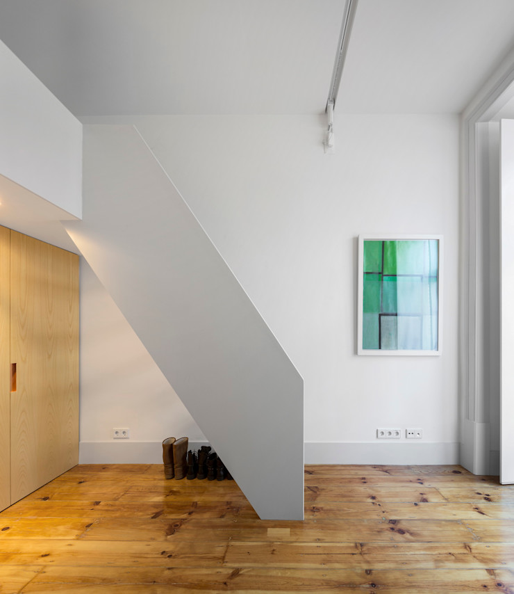 Alberto Caetano Modern nursery/kids room