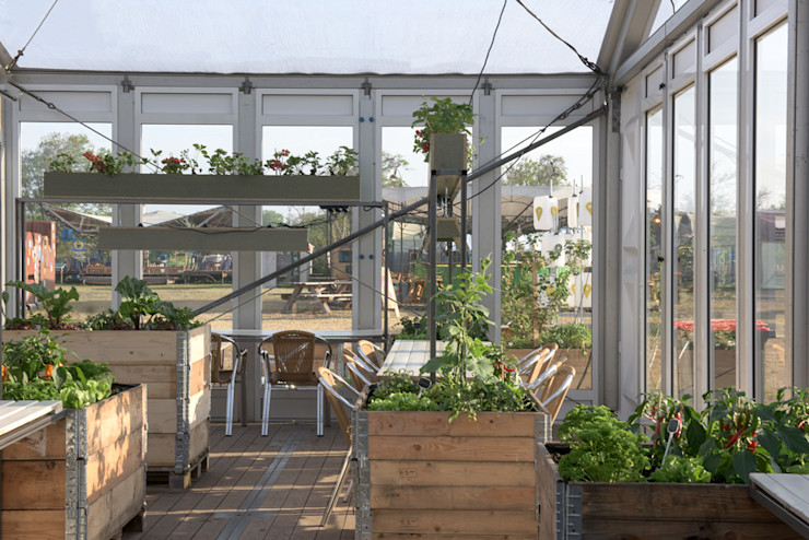 Studio Made By Industrial style garden Wood