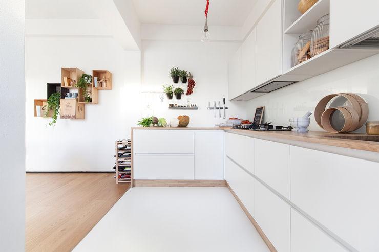 Didonè Comacchio Architects Minimalist kitchen