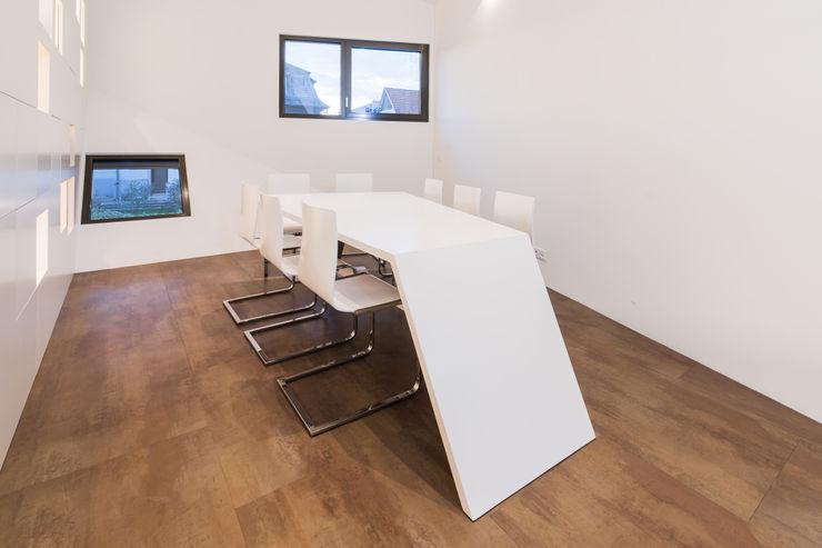 Helwig Haus und Raum Planungs GmbH 書房/辦公室桌子