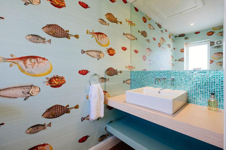 Tregoose, Polzeath The Bazeley Partnership Modern bathroom Blue