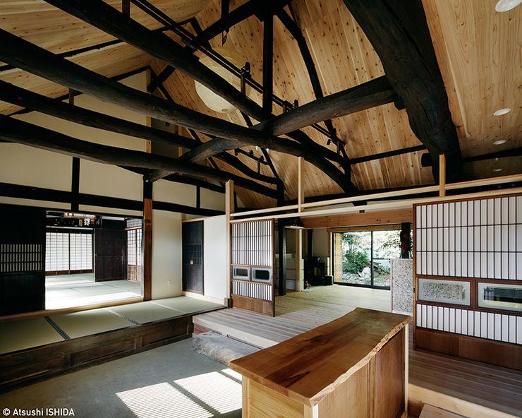 sya 古民家再生 西本建築事務所 一級建築士事務所 オリジナルスタイルの 玄関&廊下&階段 木 木目調