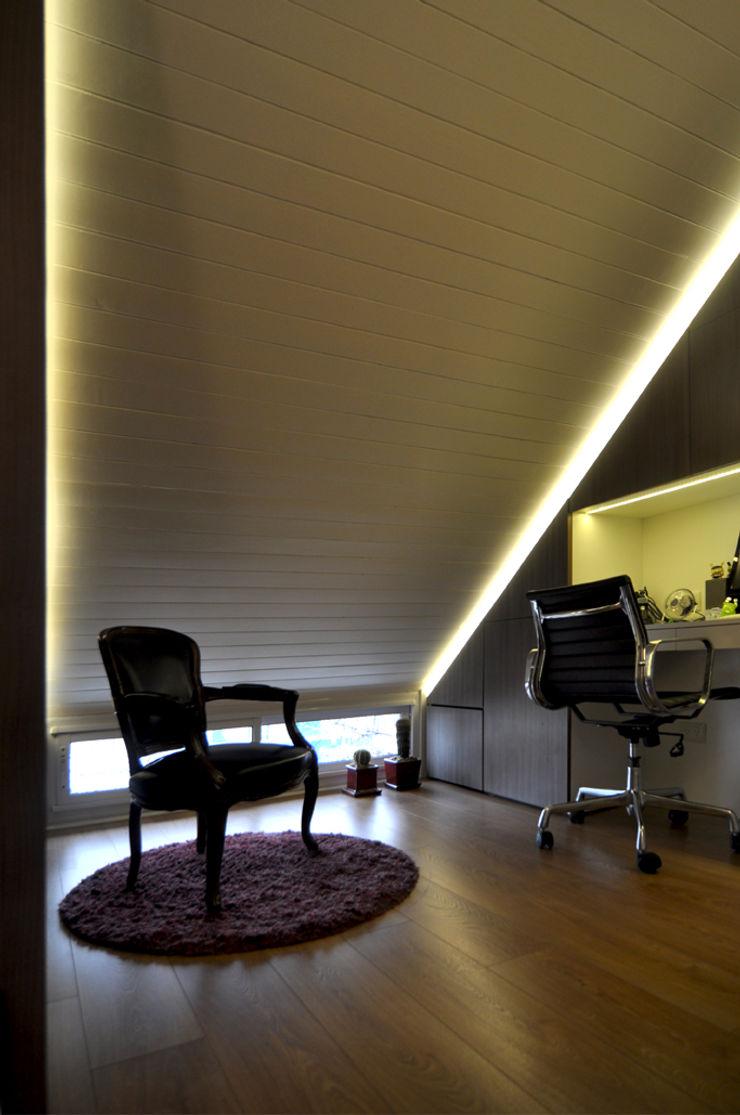 Matealbino arquitectura Ruang Studi/Kantor Modern