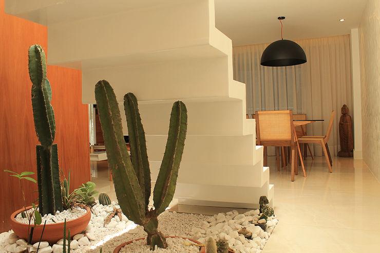 Apartamento Botafogo Julia Queima Arquitetura Corredores, halls e escadas modernos