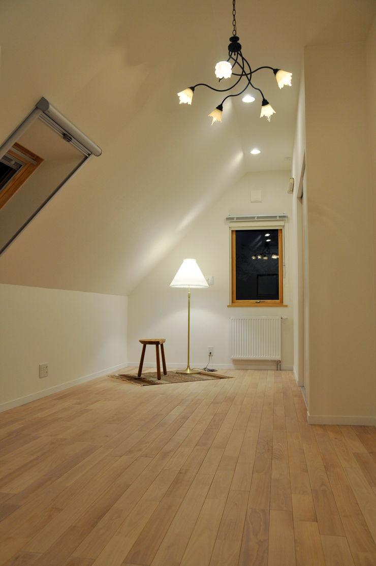 株式会社 ヨゴホームズ Scandinavian style bedroom