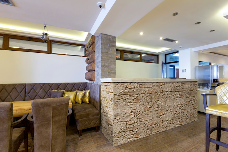 homify Country style walls & floors Chipboard Beige