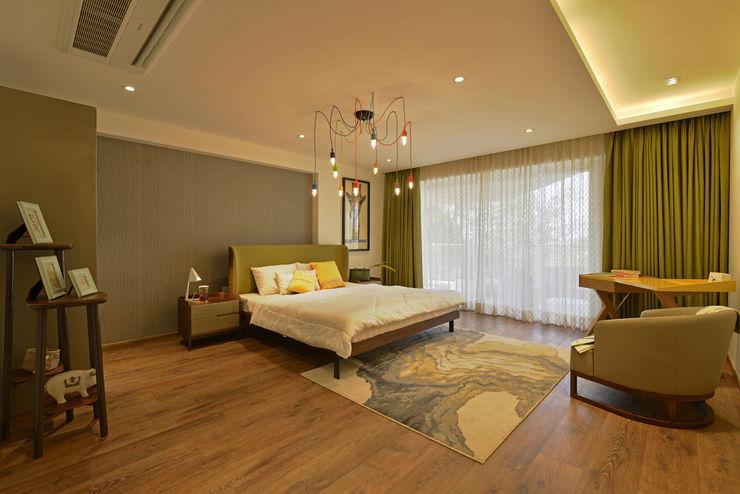 homify Minimalist bedroom Engineered Wood Green