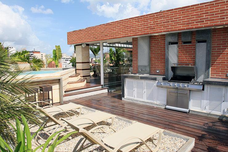 Arq Renny Molina Balcones y terrazas modernos