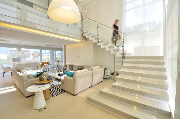 Biazus Arquitetura e Design Modern living room