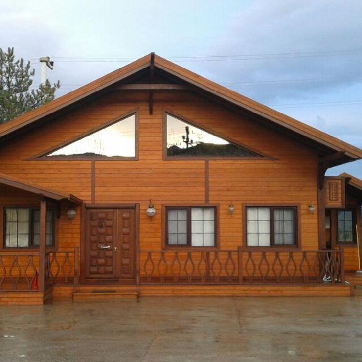 SİSNELİ AHŞAP EV - AĞAÇ EV - KÜTÜK EV - BUNGALOV -KAMELYA Casas de estilo rural