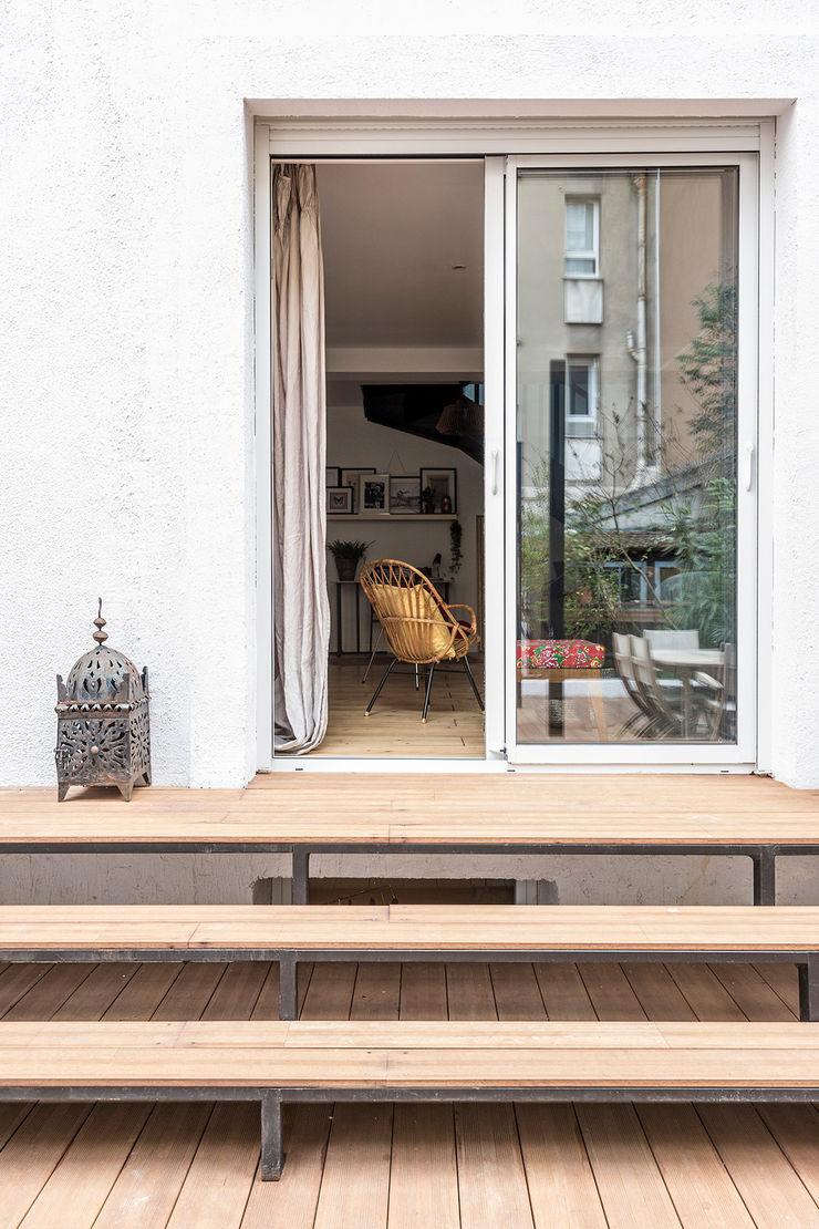 terrasse-escalier Olivier Stadler Architecte Balcon, Veranda & Terrasse modernes