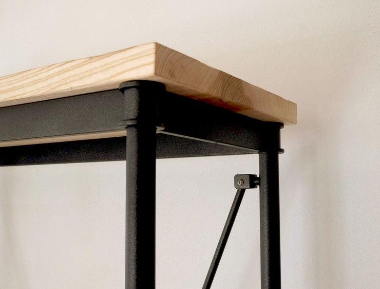 Contesini Studio & Bottega Corridor, hallway & stairsDrawers & shelves Than củi Wood effect