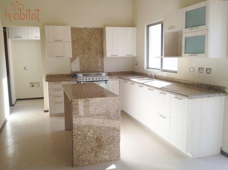 H-abitat Diseño & Interiores 現代廚房設計點子、靈感&圖片 合板 White