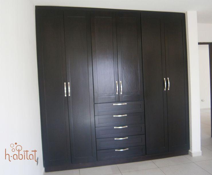 H-abitat Diseño & Interiores 更衣室 木頭 Wood effect