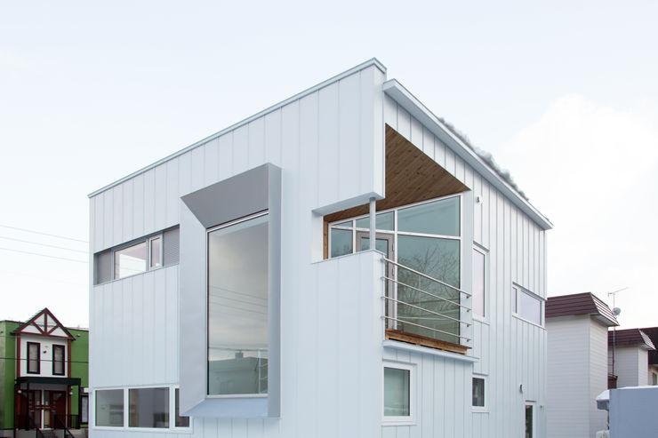 外観 一級建築士事務所 Atelier Casa ミニマルな 家 鉄/鋼 白色