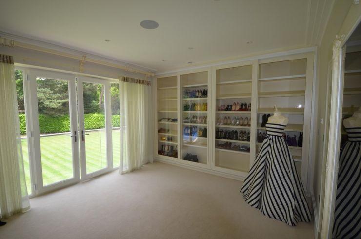 Surrey estate storage solutions made by Bravo London Bravo London Ltd DormitoriosArmarios y cómodas