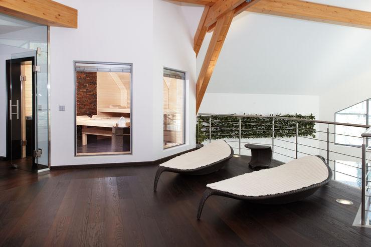 Erdmann Exklusive Saunen Spas de estilo moderno