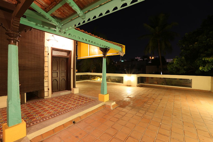 Ansari Architects Balkon, Beranda & Teras Modern
