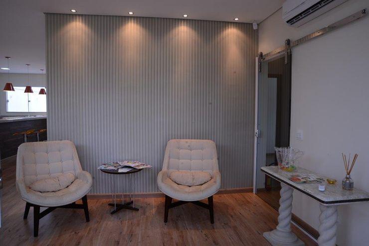 ADRIANA MELLO ARQUITETURA Modern clinics