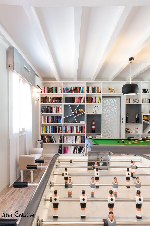 Salle de loisirs Agence boÔbo Salon moderne Blanc