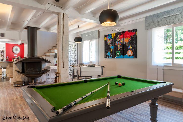 Salle de loisirs - Billard Agence boÔbo Salon moderne