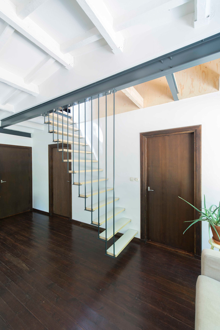 Bloot Architecture Minimalist dining room Wood