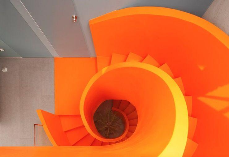 Casa Blanca Martin Dulanto Pasillos, vestíbulos y escaleras modernos