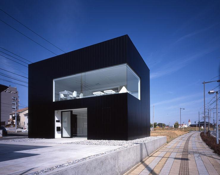 SHSTT Minimalist houses Metal Black