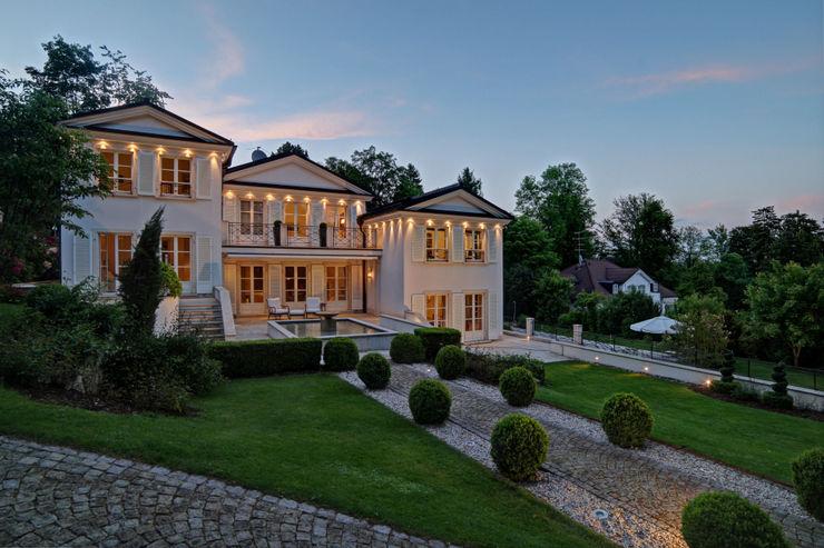 Mondäne Villa am See Gerhard Blank Fotografie für Immobilien & Architektur Mediterrane Häuser