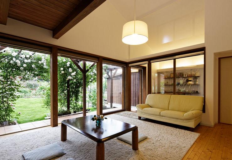 岩川アトリエ Moderne Wohnzimmer