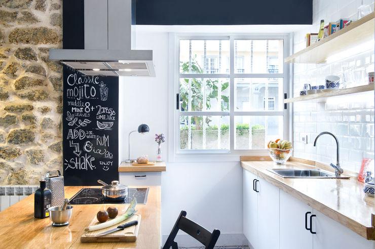 A Coruña for rent! Egue y Seta Cocinas de estilo moderno