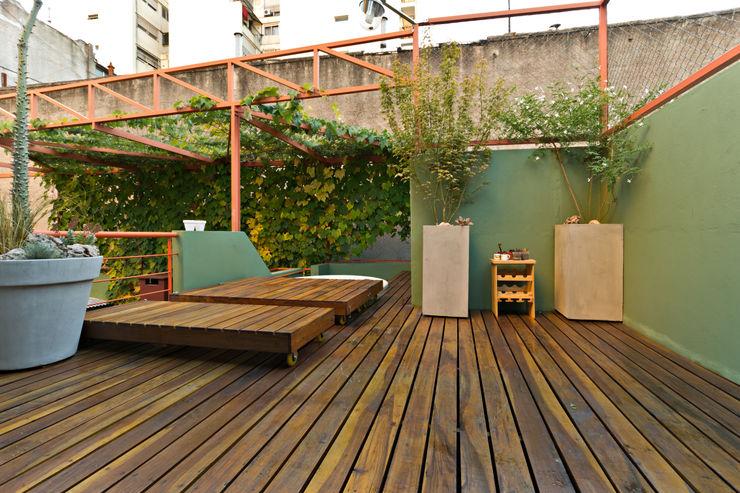 Pop Arq Minimalist style garden