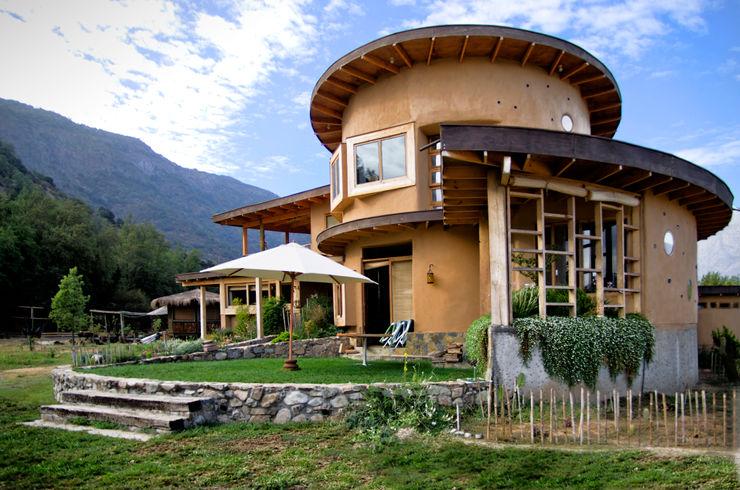 Diseño y Construcción de Casa Caracol en Paine por ALIWEN ALIWEN arquitectura & construcción sustentable - Santiago Casas unifamiliares
