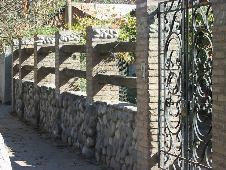 ALIWEN arquitectura & construcción sustentable - Santiago Dinding & Lantai Gaya Kolonial