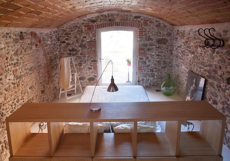 Viladecavalls House CABRÉ I DÍAZ ARQUITECTES Dormitorios minimalistas
