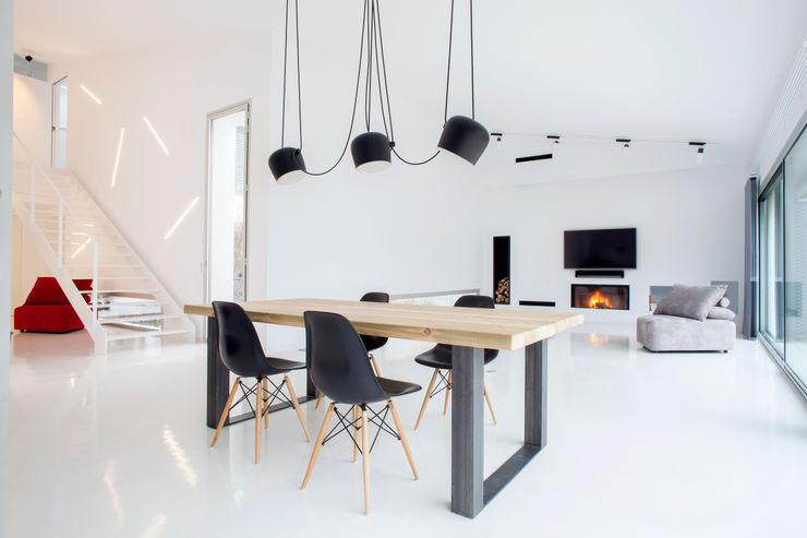 CABRÉ I DÍAZ ARQUITECTES Minimalistische Wohnzimmer